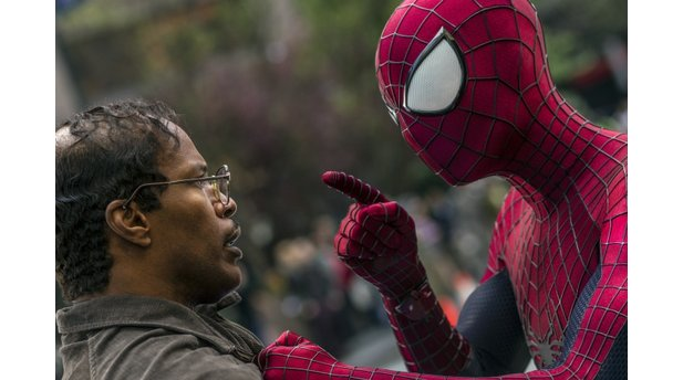 <b>The Amazing Spider-Man 2</b> (Bilder: Sony Pictures)<br>Spider-Man droht Max Dillon (Jamie Foxx).