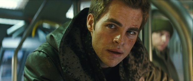 James T. Kirk (Chris Pine)